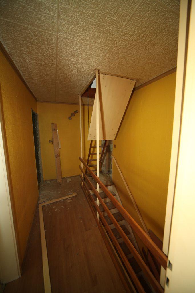 haus 7 treppenhaus bild 1 sanieren in wesel bossmann gmbh. Black Bedroom Furniture Sets. Home Design Ideas